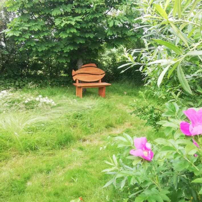 Unter dem Laub der Kastanie