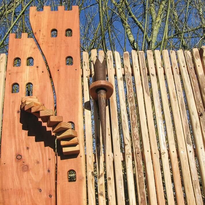 Ein Burgenzaun macht aus Ihrem Garten ein märchenhaftes Anwesen
